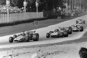 Peter Gethin, McLaren M14A Ford, Ronnie Peterson, March 701 Ford y Chris Amon, March 701 Ford