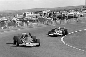 Jochen Rindt, Lotus 72 leads John Surtees, Mclaren M7C
