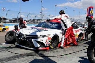 Kyle Busch, Joe Gibbs Racing, Toyota Camry Sport Clips