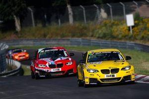 #677 BMW M240i Racing Cup: Ben Bünnagel, Nick Wuestenhagen, Gustavo Xavier