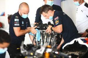 Eugene Laverty, BMW Motorrad WorldSBK Team engine change