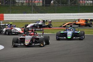 Enzo Fittipaldi, HWA Racelab, leads Cameron Das, Carlin
