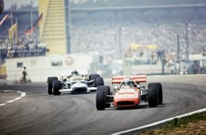 Mario Andretti, March 701 Ford, Graham Hill, Lotus 49C Ford