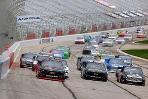 Chase Elliott, GMS Racing Chevrolet, Zane Smith, GMS Racing Chevrolet, Kyle Busch, Kyle Busch Motorsports Toyota