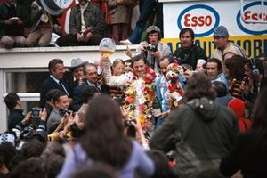 1. Graham Hill, Henri Pescarolo, Matra