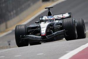 Kimi Raikkonen, McLaren Mercedes MP4/19B