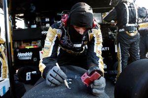 Alex Bowman, Hendrick Motorsports, Chevrolet Camaro crew