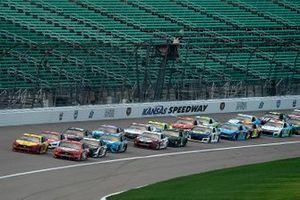Joey Logano, Team Penske, Ford Mustang, Kevin Harvick, Stewart-Haas Racing, Ford Mustang