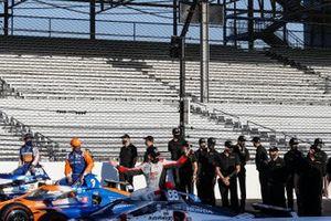 Polesitter Marco Andretti, Andretti Herta with Marco & Curb-Agajanian Honda, 2. Scott Dixon, Chip Ganassi Racing Honda, 3. Takuma Sato, Rahal Letterman Lanigan Racing Honda