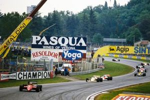 Michele Alboreto, Ferrari156/85, leads Thierry Boutsen, Arrows A8 BMW, and Alain Prost, MP4-2B TAG