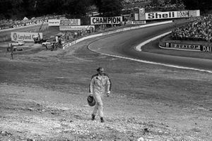 Hans-Joachim Stuck, March, regresa caminando