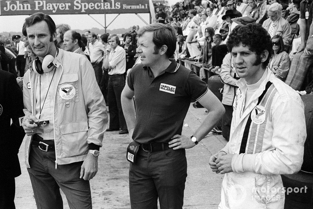 Jody Scheckter, McLaren, con Phil Kerr, Director de Carreras de McLaren