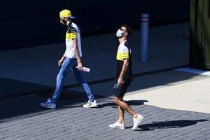 Esteban Ocon, Renault F1 and Daniel Ricciardo, Renault F1