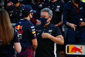 Sergio Pérez, Red Bull Racing y Masashi Yamamoto, Director General de Honda Motorsport