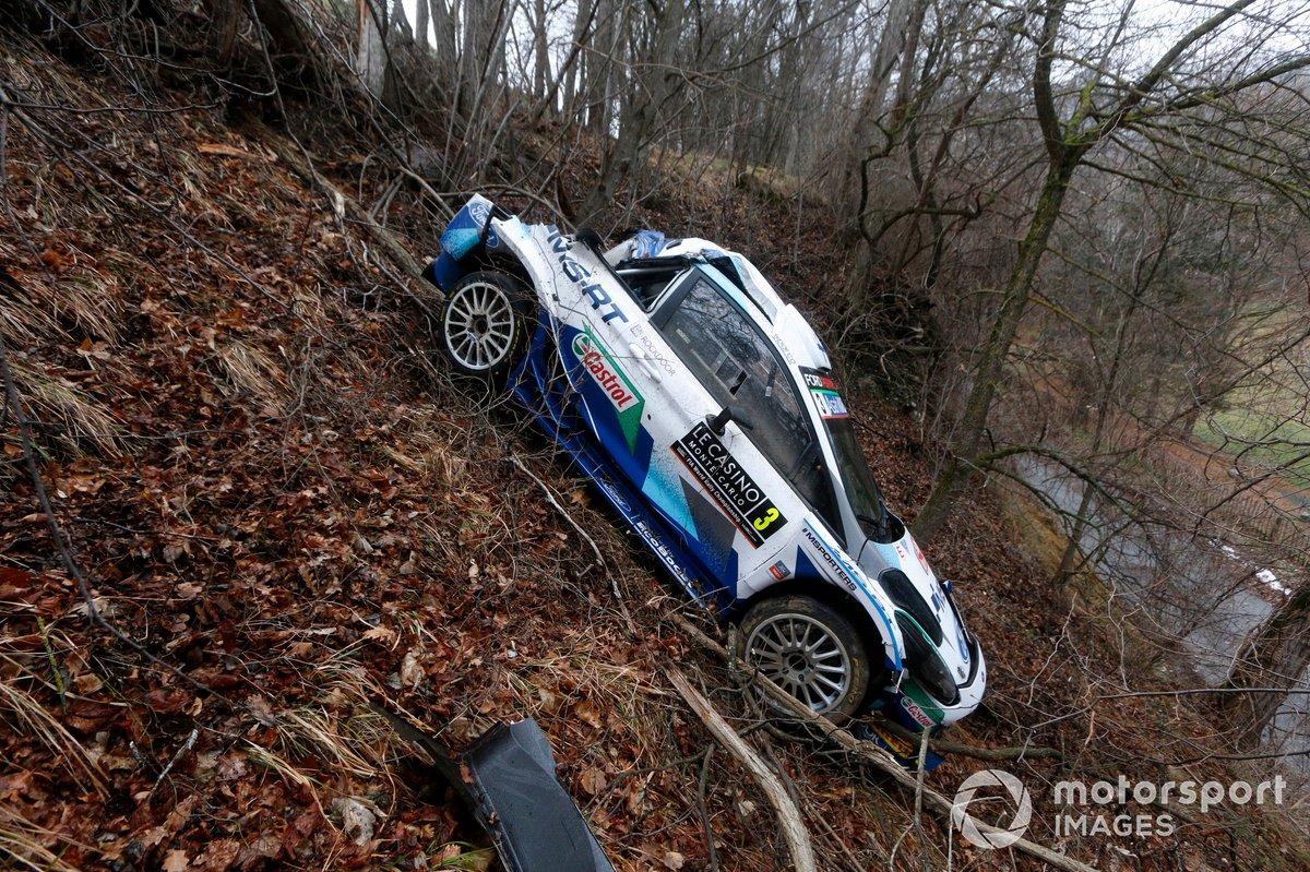 Coche de Teemu Suninen, Mikko Markkula, M-Sport Ford WRT Ford Fiesta WRC después de choque