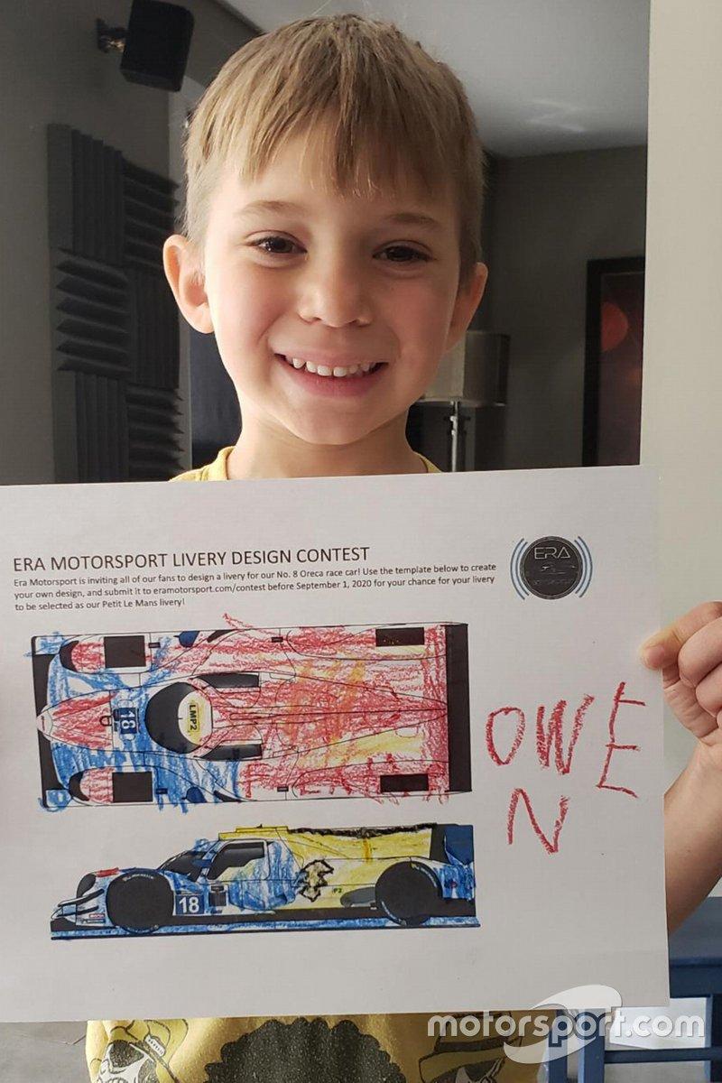 Owen con il suo disegno