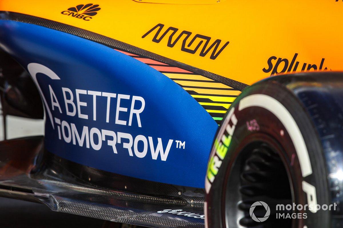 Pegatina de BAT en el McLaren
