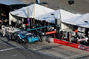 #16 Wright Motorsports Porsche 911 GT3 R, GTD: Pit Stop, Patrick Long, Trent Hindman, Klaus Bachler, Jan Heylen