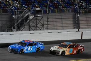 Erik Jones, Richard Petty Motorsports, Chevrolet Camaro RP Funding Chase Elliott, Hendrick Motorsports, Chevrolet Camaro Llumar
