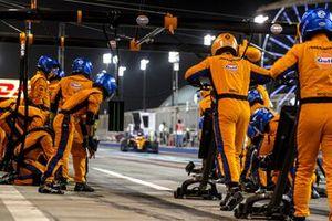 Daniel Ricciardo, McLaren MCL35M, comes in for a stop