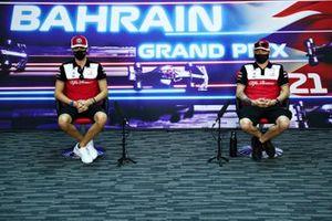 Antonio Giovinazzi, Alfa Romeo Racing, and Kimi Raikkonen, Alfa Romeo Racing, in the press conference