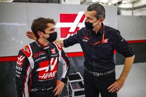 Pietro Fittipaldi, Haas F1, with Guenther Steiner, Team Principal, Haas F1