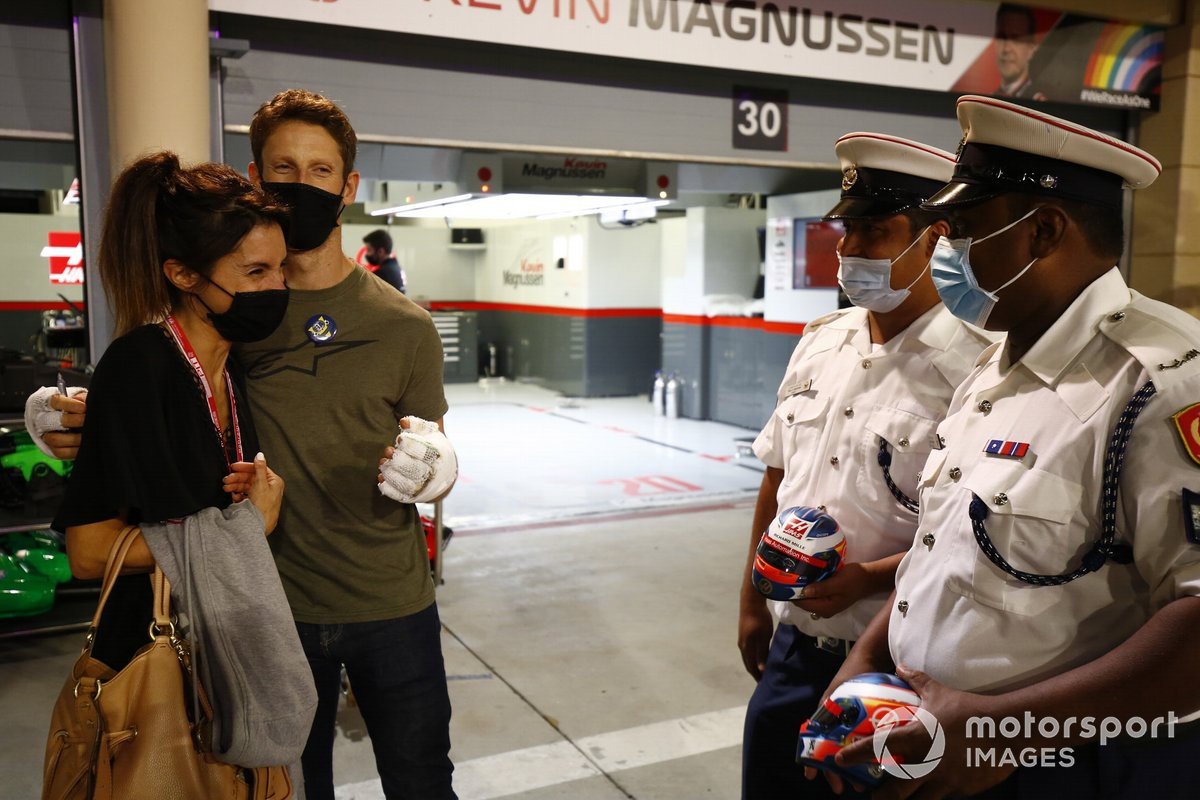Romain Grosjean, Haas F1 con Marion Grosjean incontrano lo staff che lo ha aiutato all'incidente dello scorso GP