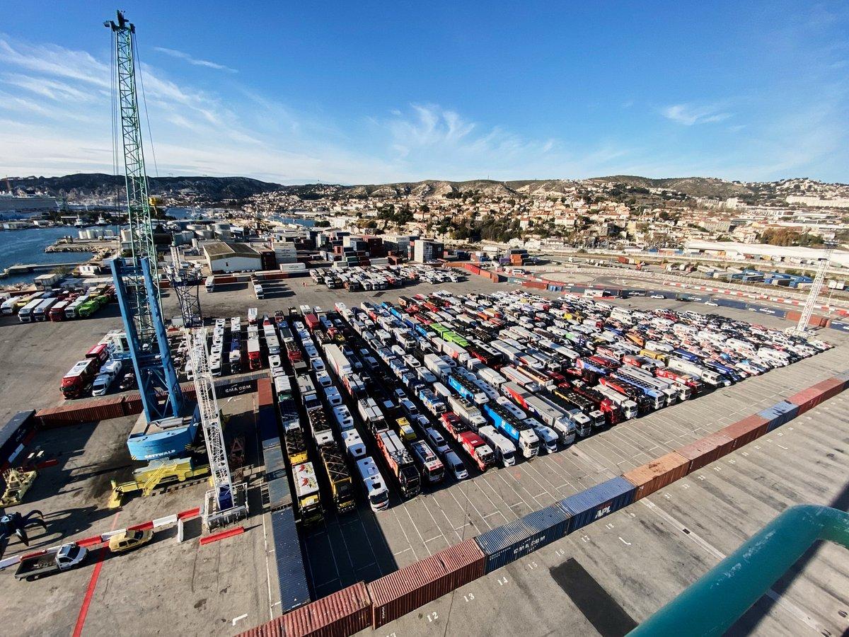 Embarque del Dakar 2021 en Marsella