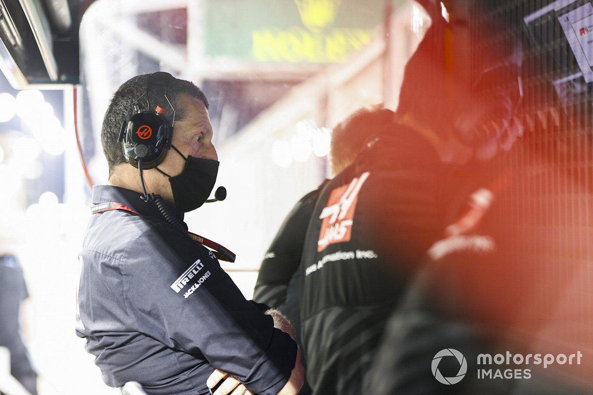 Guenther Steiner, Team Principal, Haas F1, al muretto dei box