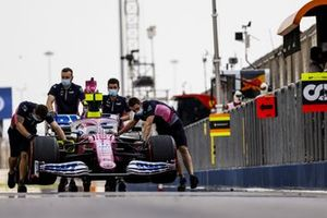 Mechanics with the car of Lance Stroll, Racing Point RP20