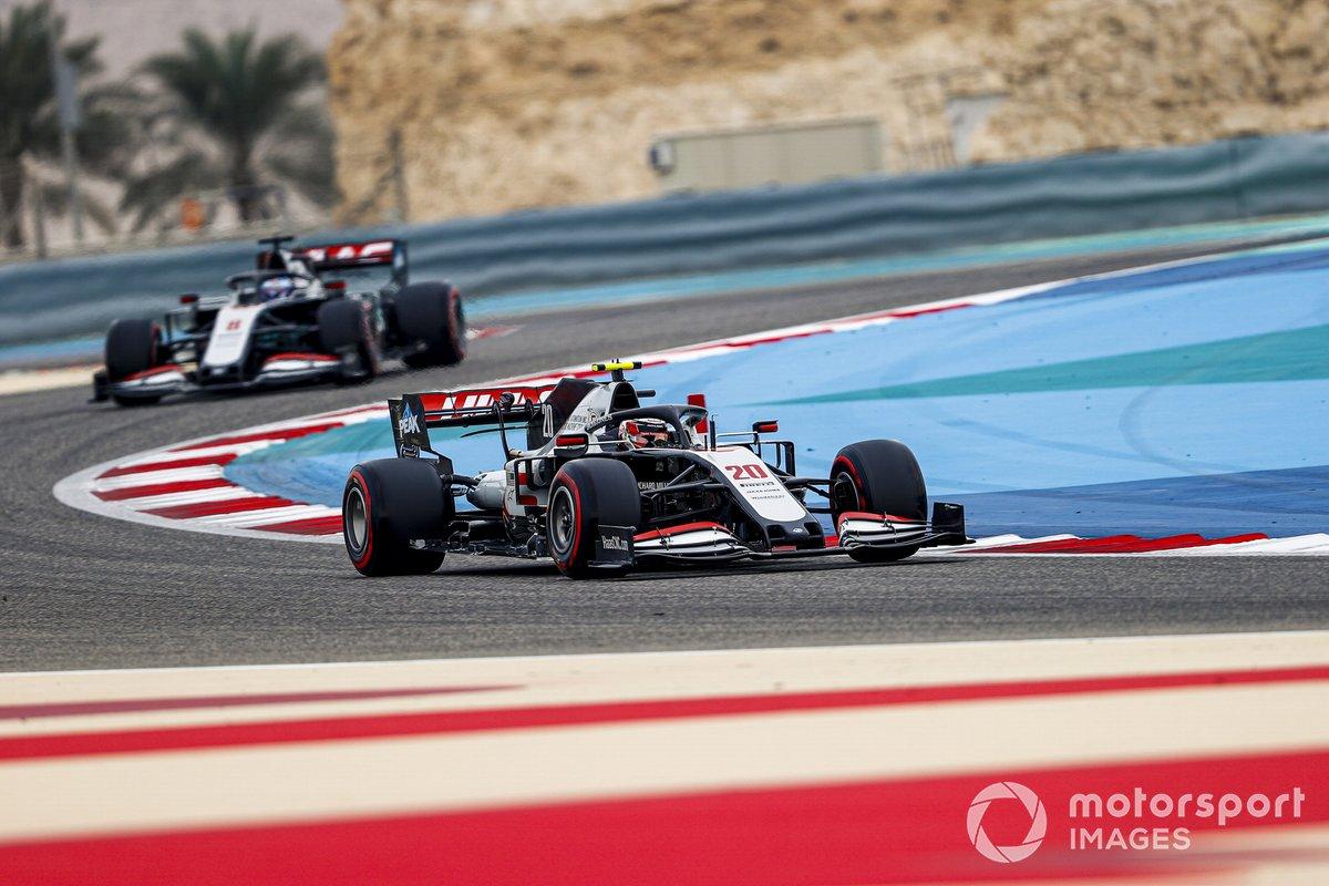 Kevin Magnussen, Haas VF-20, Romain Grosjean, Haas VF-20