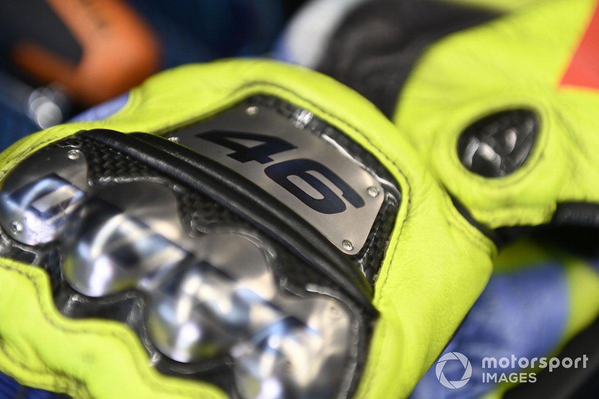 Los guantes de Valentino Rossi, Petronas Yamaha SRT