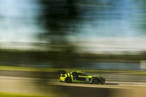 #14 VasserSullivan Lexus RC F GT3, Aaron Telitz, Jack Hawksworth