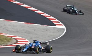 Fernando Alonso, Alpine A521, Lance Stroll, Aston Martin AMR21