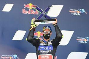 Dominique Aegerter, Dynavolt Intact GP, 2ᵉ, sur le podium