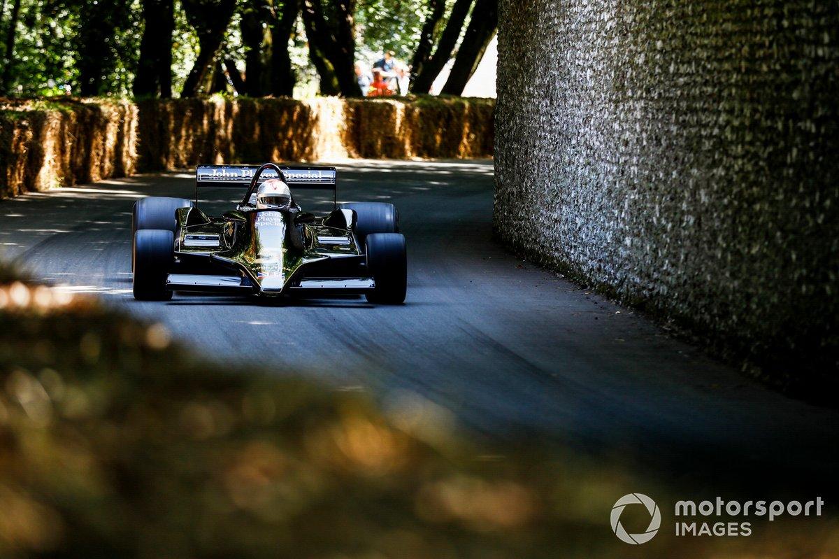 Mario Andretti au volant de la Lotus 79 (1978)