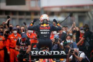 Max Verstappen, Red Bull Racing, primo classificato, arriva al Parc Ferme
