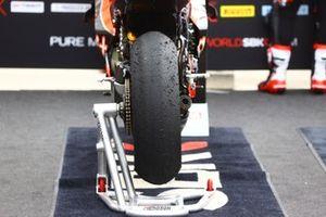 Le pneu slick de Scott Redding, Aruba.It Racing - Ducati, après la course