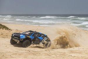 Alejandro Agag nell'auto di Extreme E in Senegal