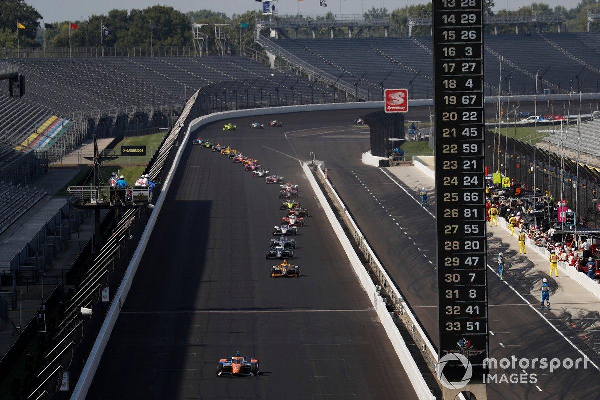 Scott Dixon, Chip Ganassi Racing Honda lidera