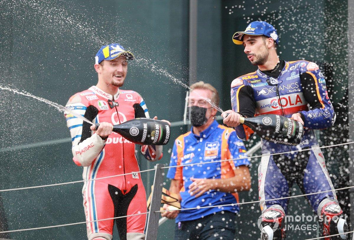 Podio: tercer lugar Pol Espargaró, Red Bull KTM Factory Racing, ganador Miguel Oliveira, Red Bull KTM Tech 3