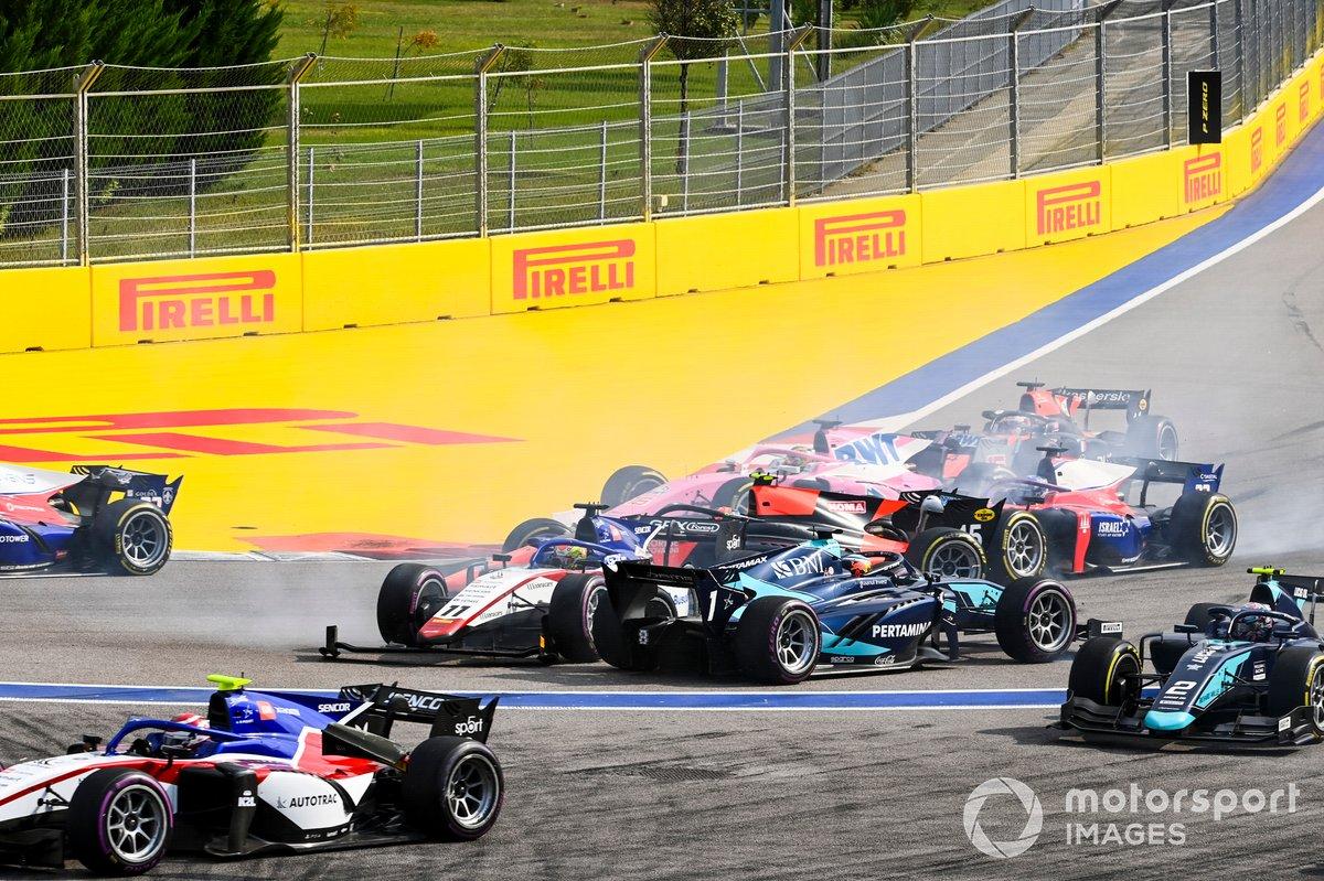 Louis Deletraz, Charouz Racing System y Juri Vips, Dams gira al inicio