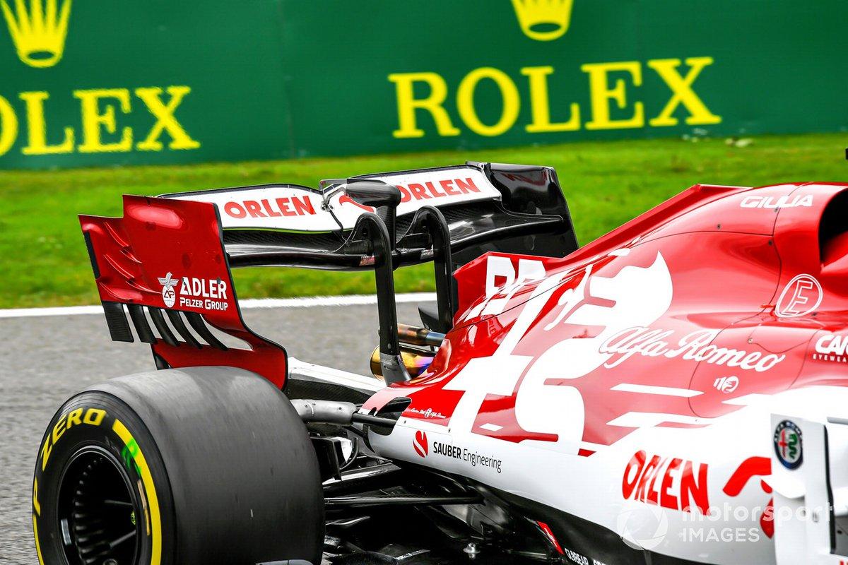 L' alettone posteriore e l' attuatore del DRS sull'auto di Antonio Giovinazzi, Alfa Romeo Racing C39