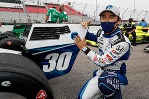 Ganador de la pole Carrera 2, Takuma Sato, Rahal Letterman Lanigan Racing Honda