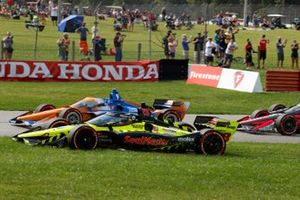 Santino Ferrucci, Dale Coyne Racing avec Vasser Sullivan Honda, Scott Dixon, Chip Ganassi Racing Honda, crash au départ