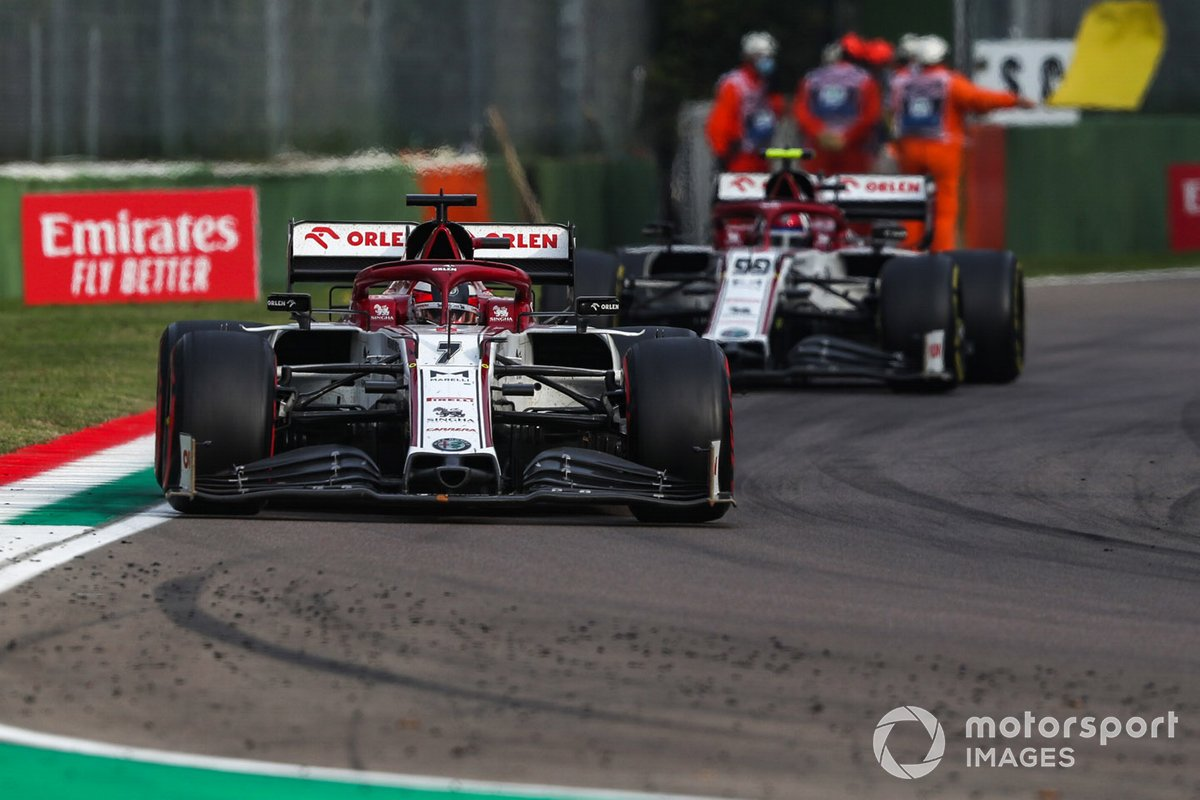 Kimi Raikkonen, Alfa Romeo Racing C39, Antonio Giovinazzi, Alfa Romeo Racing C39