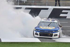 Yarış galibi Chase Elliott, Hendrick Motorsports, Chevrolet Camaro NAPA Auto Parts
