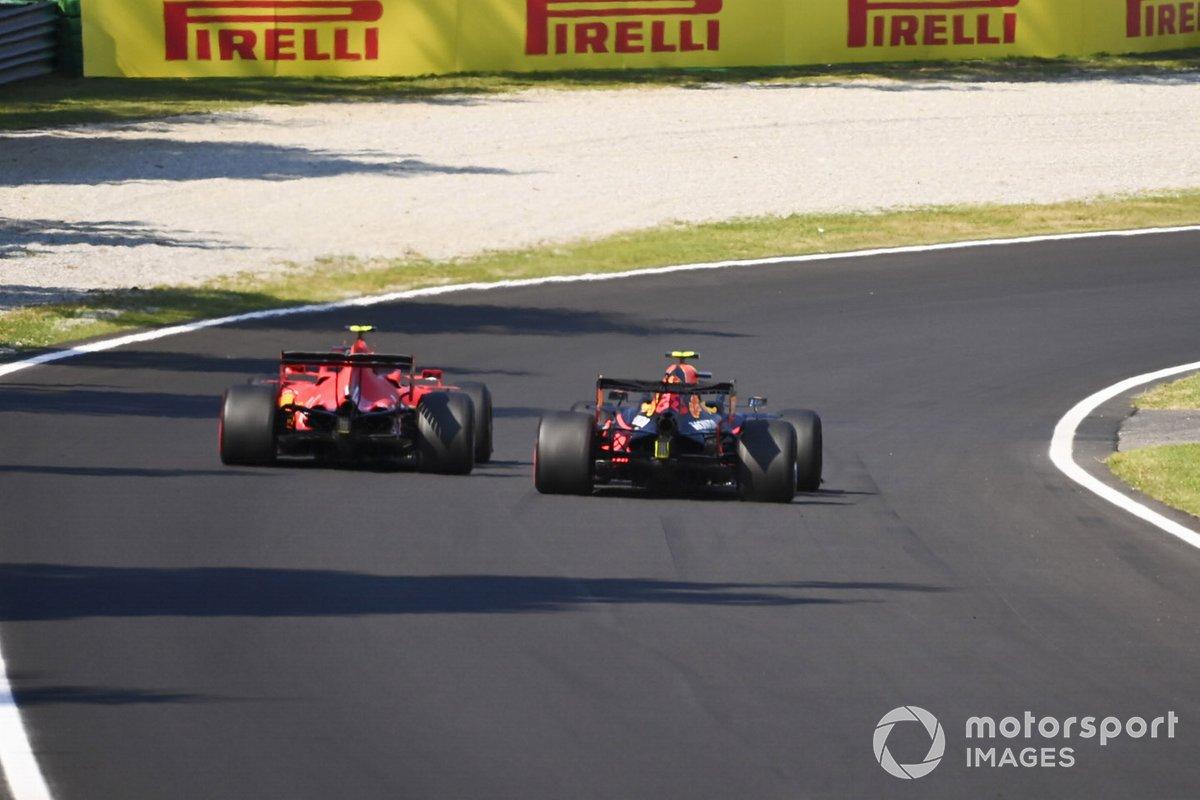 Charles Leclerc, Ferrari SF1000, lotta con Alex Albon, Red Bull Racing RB16