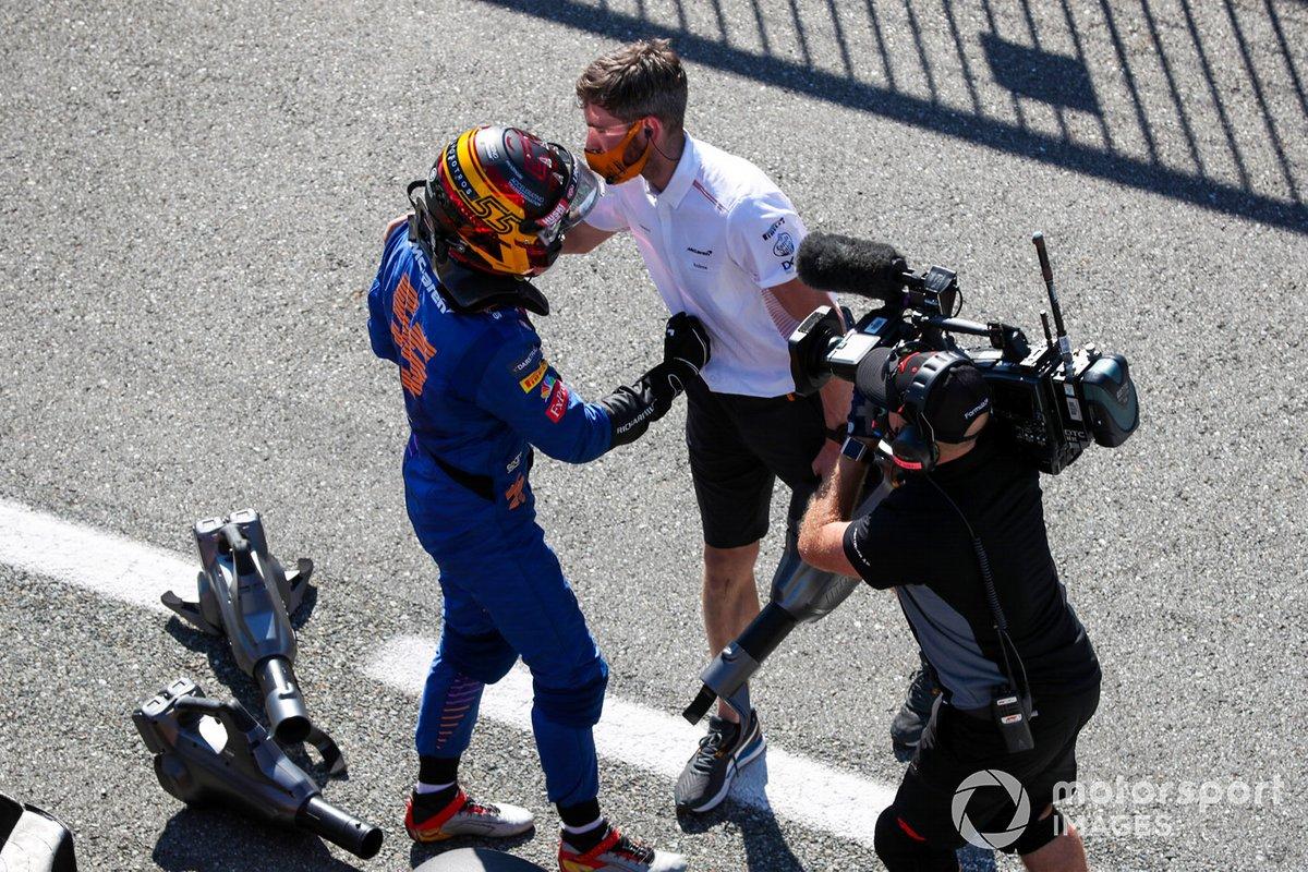 Tercer puesto Carlos Sainz Jr., McLaren en Parc Ferme