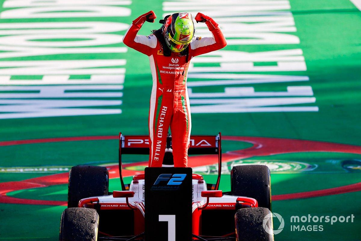Ganador Mick Schumacher, Prema Racing celebra
